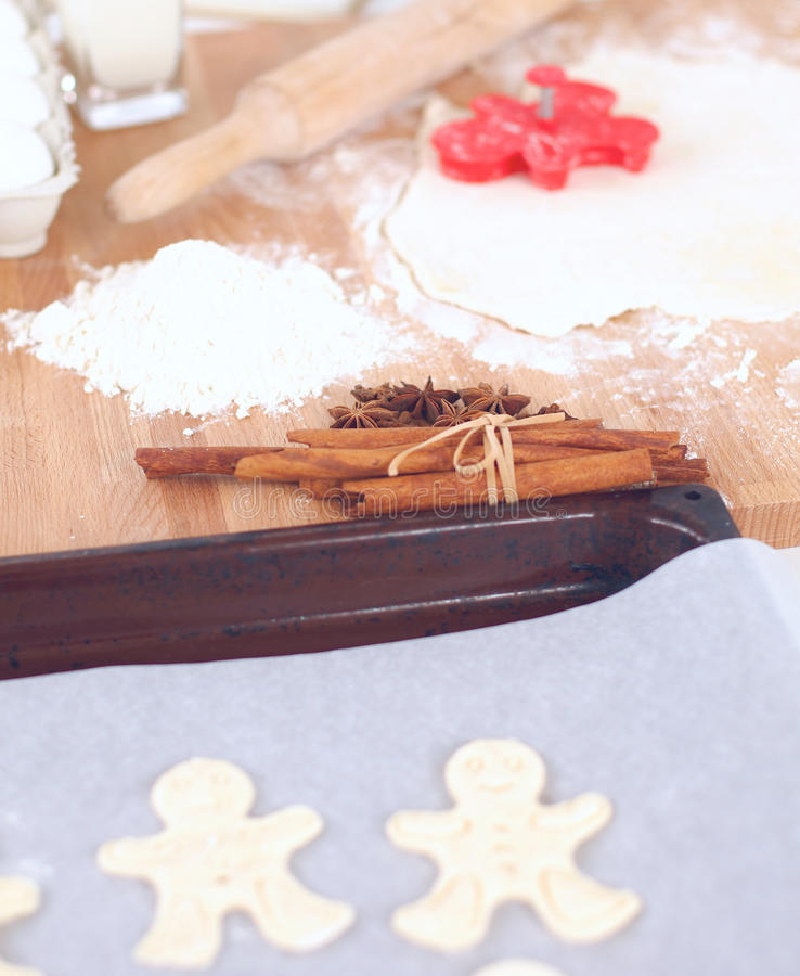 Ингридиенты выпечки для печенья и плунжера shortcrust стоковое фото