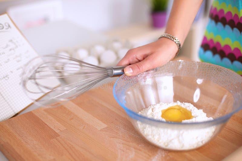 Ингридиенты выпечки для печенья shortcrust и стоковые изображения
