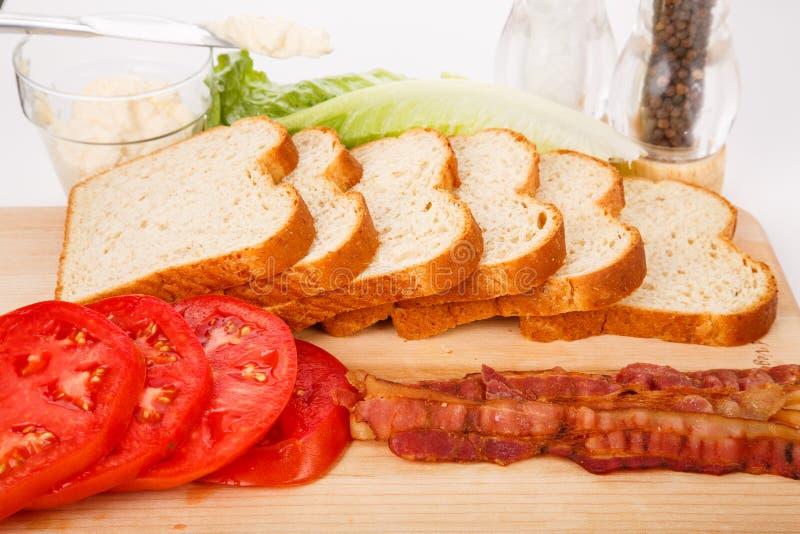 Ингридиенты для свежего сандвича BLT стоковые фото