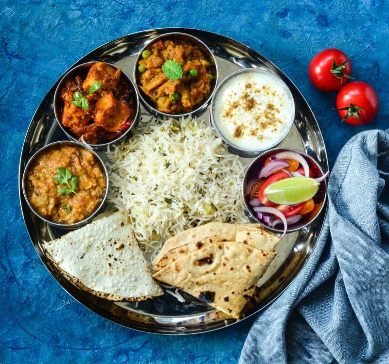 Индеец Thali или индийское фото запаса еды стоковые изображения