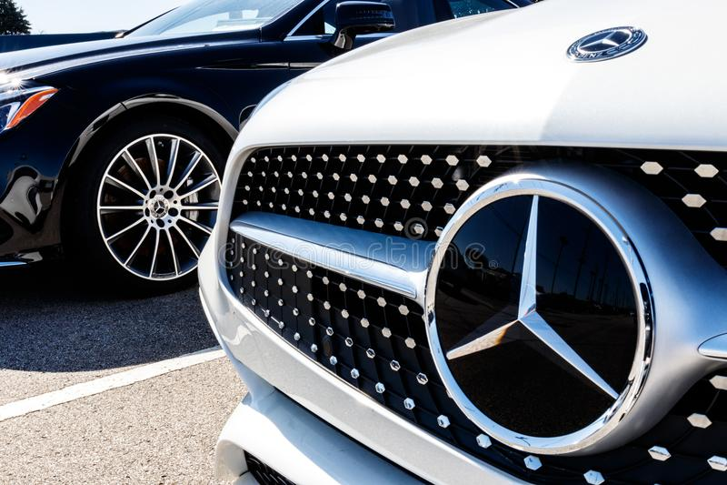 Индианаполис - около март 2018: Дилерские полномочия Мерседес-Benz Мерседес-Benz изготовитель и разделение Daimler AG i стоковая фотография