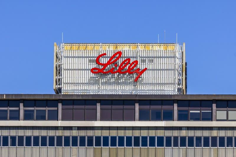 Индианаполис - около сентябрь 2017: Штабы мира Eli Lilly и компании ПРИМЕЧАНИЕ: Флагшток извлекался VIII стоковые фотографии rf