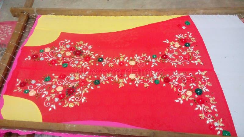Индийская вышивка работы руки своя полная работа для kurti дам стоковое фото rf