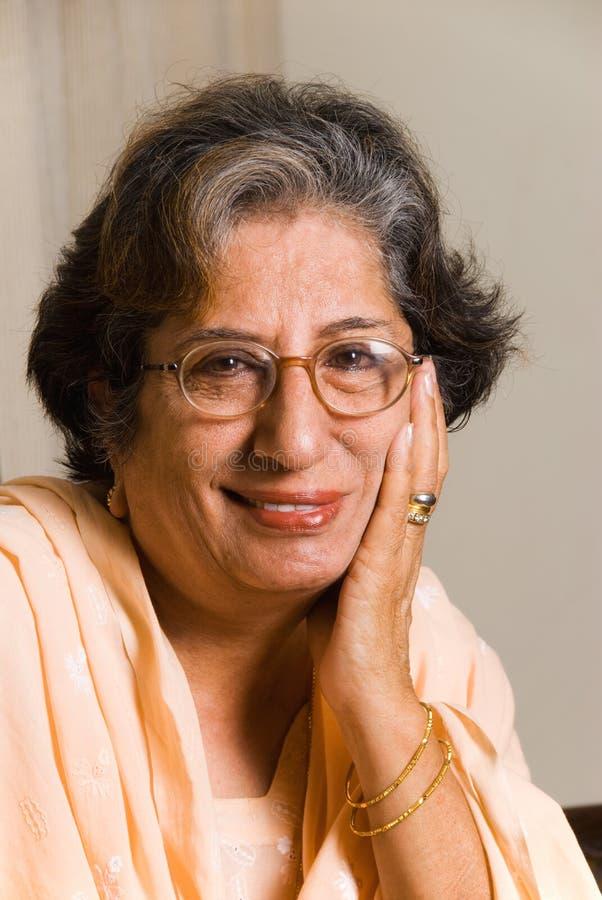 индийская старшая женщина стоковые изображения
