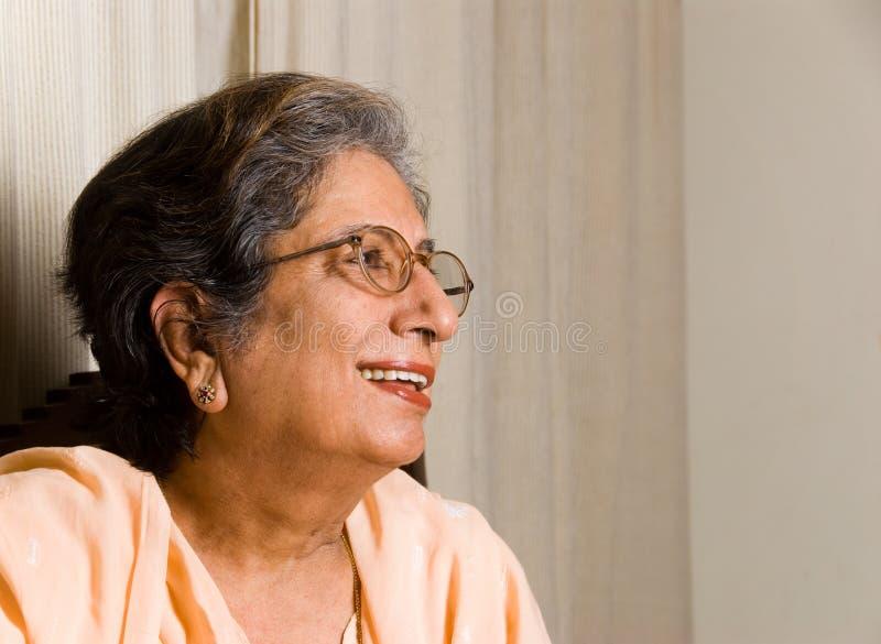 индийская старшая женщина стоковое изображение