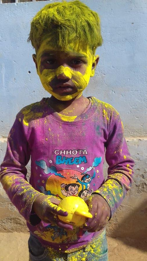 Индийские дети,красочная фотография фестиваля стоковое фото rf