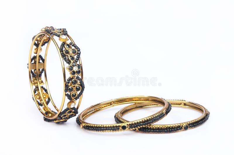 Индийские традиционные Bangles золота стоковые изображения rf