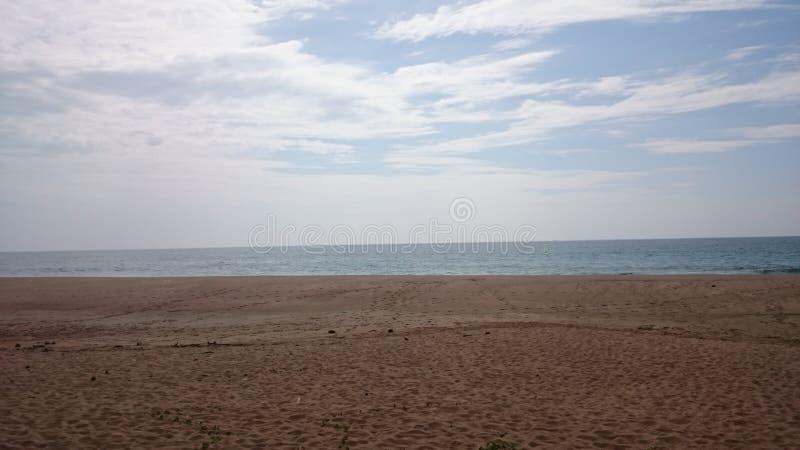 Индийский океан - песчаный пляж стоковое изображение
