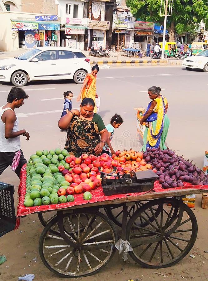 Индийский стиль дела это работающ на самого себя стоковая фотография rf