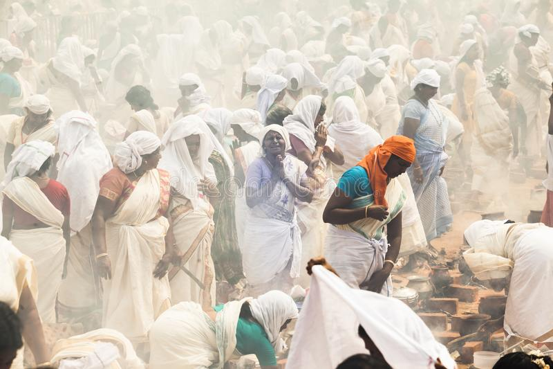 Индийский фестиваль виска с только женщинами стоковое изображение rf