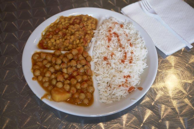Индийское вегетарианское блюдо стоковое изображение rf