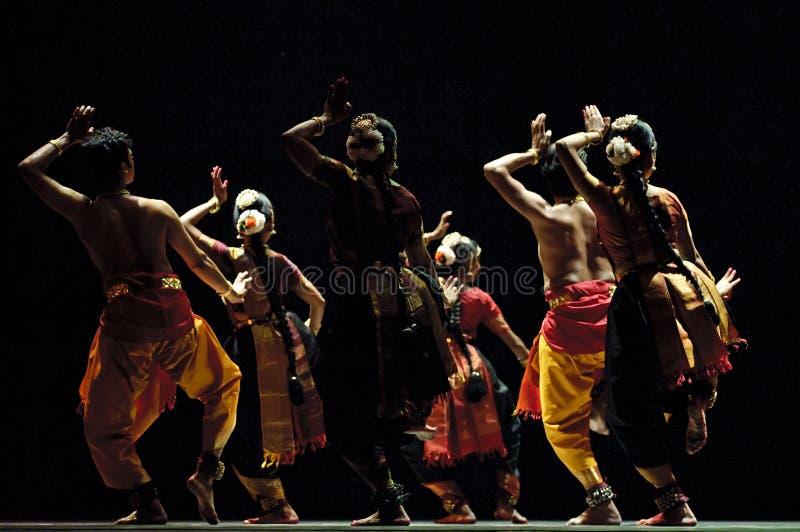Download Индийское представление фольклорной танцульки Редакционное Изображение - изображение насчитывающей зрелищность, актеров: 18388080