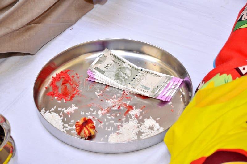 индийское ритуальное венчание стоковое изображение rf