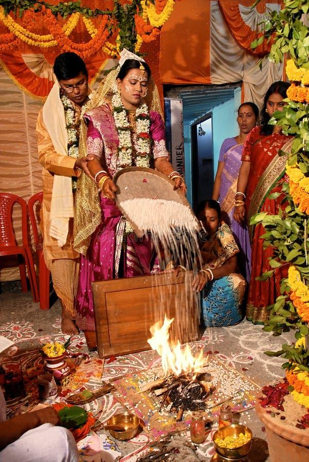 Индусские ритуалы замужества стоковая фотография rf