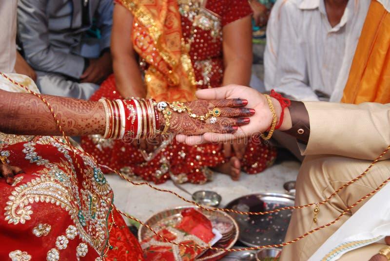 Индусское hastmelap свадьбы стоковые изображения rf