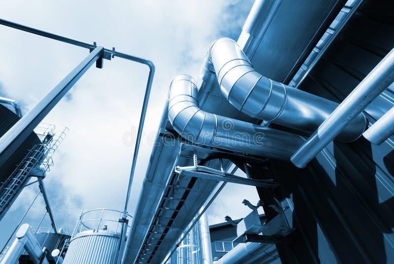индустрия фабрики прокладывает трубопровод сталь стоковое изображение rf