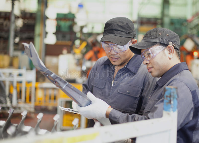 Инженерство в фабрике стоковое изображение