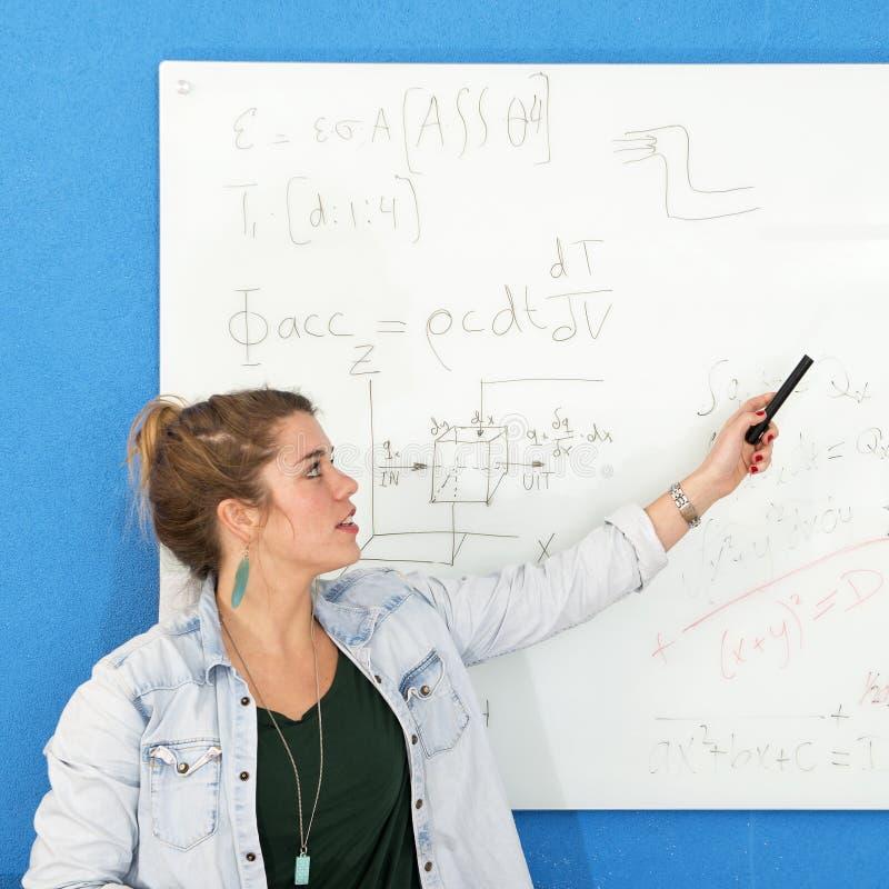 Инженерство Whiteboard стоковые изображения rf