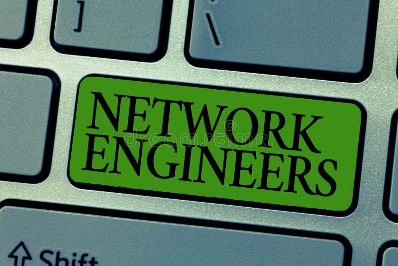 Инженеры сети текста сочинительства слова Концепция дела для умелого технологии профессиональное в компьютерной системе стоковые изображения