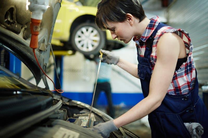 Инженер автомобиля стоковые изображения