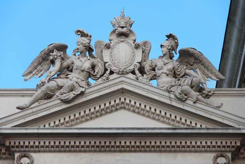 Иносказания статуй - большой театр вены - Австрия стоковое фото rf