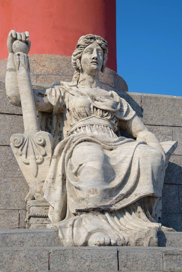 Download Иносказательная скульптура Волги River1809-1813 на дне южного Rostral конца столбца вверх Взгляд собора Андрюа апостола Стоковое Изображение - изображение насчитывающей солнечно, женщина: 81809361