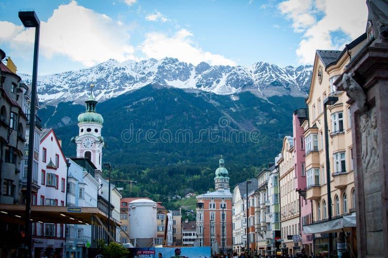 Инсбрук и горы стоковые изображения