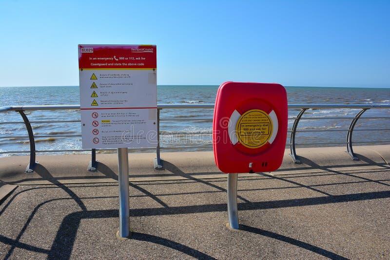 Инструкции по безопасности для посетителей пляжа стоковая фотография