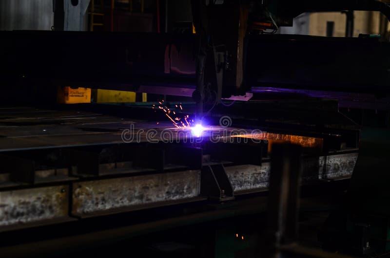Инструментальный металл с оборудованием плазмы стоковое изображение rf