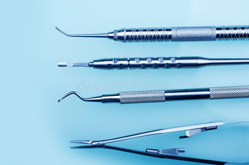 Инструменты зубоврачевания стоковое изображение rf