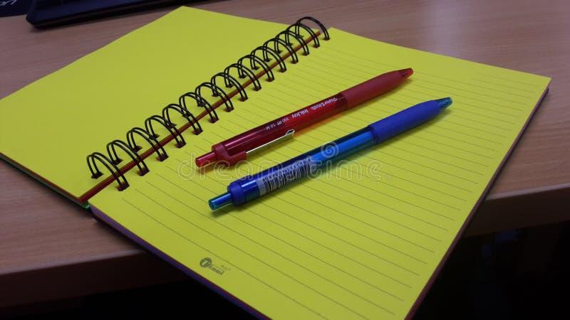Инструменты книги и школы стоковое фото rf