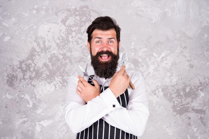 Инструменты парикмахера Принимать хорошие волосы на лице заботы Бородатый брить хипстера m Мастер парикмахерскаи Поддерживайте ст стоковые фото