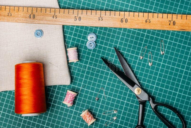 Инструменты портноя стоковые фото