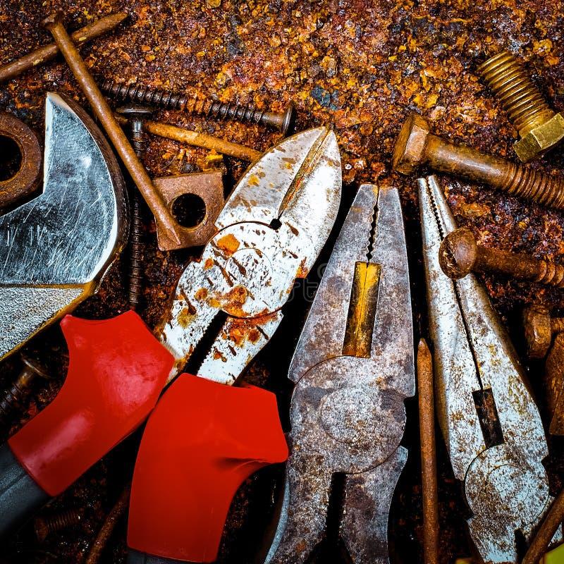 инструменты предпосылки ржавые стоковая фотография