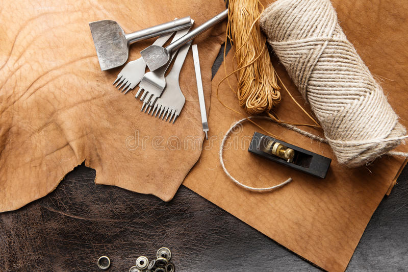 Инструменты Leathercraft стоковое изображение rf