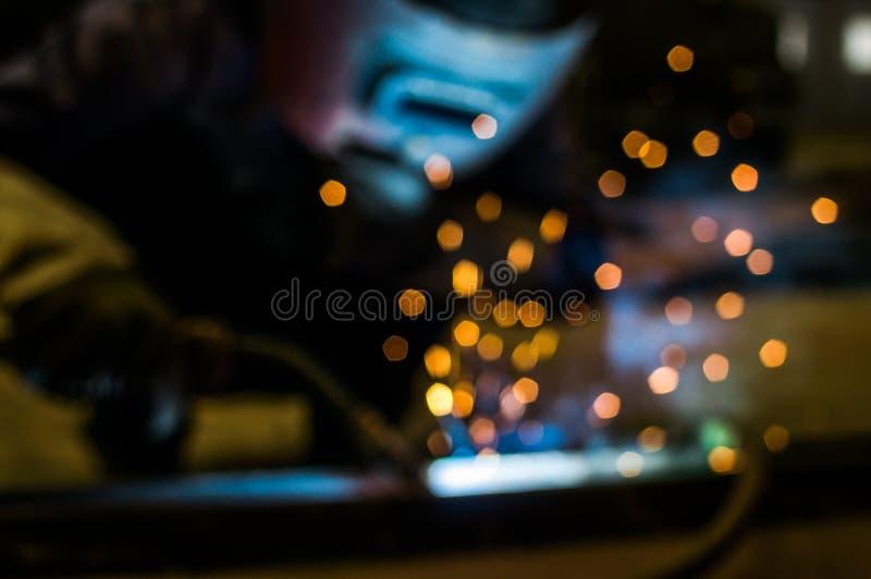Интенсивный светлый оператор заварки виртуальный и ослепляя стоковые фотографии rf