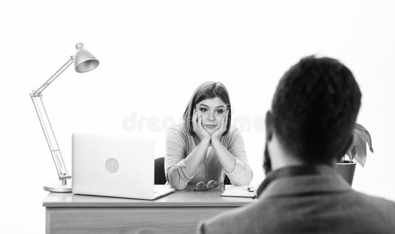 Интервью для работы Собеседование для приема на работу менеджера человеческих ресурсов проводя с кандидатом Милый интервьюер спра стоковая фотография rf