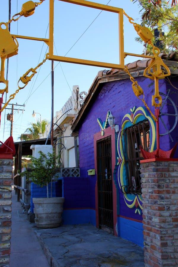 Интересная архитектура зданий в Puerto Penasco, Мексике стоковое фото