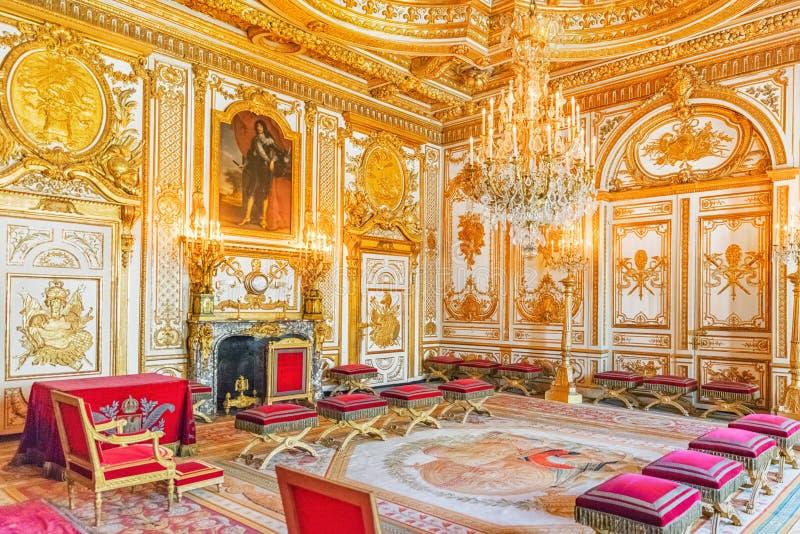 Интерьеры дворца Фонтенбло Комната трона Замок был дальше стоковое изображение rf