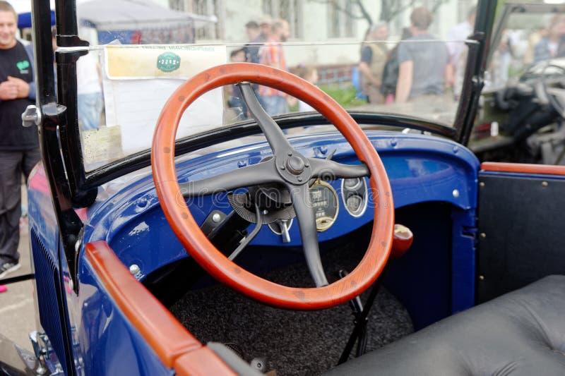 Интерьер автомобиля Шевроле винтажный - запас стоковые фотографии rf