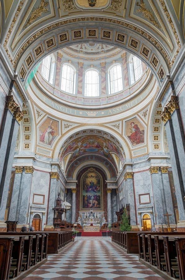 Интерьер базилики Esztergom, Esztergom, Венгрия стоковые изображения rf