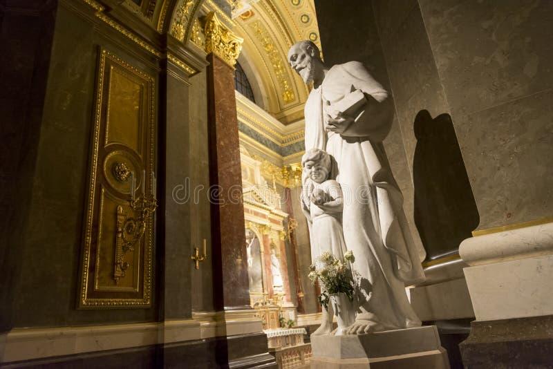 Интерьер базилики St Stephen, Будапешт, Венгрия стоковое изображение