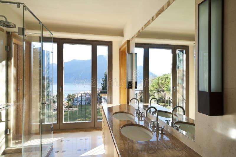 интерьер, ванная комната стоковая фотография