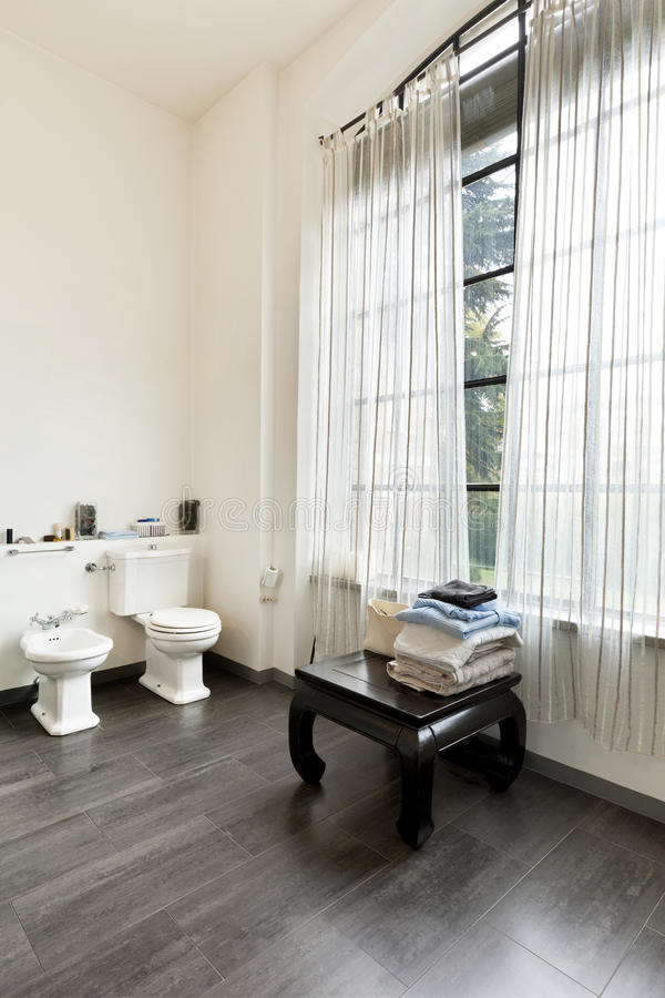интерьер, взгляд ванной комнаты стоковые фото