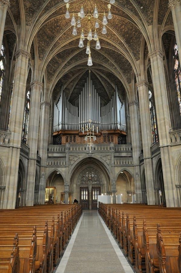 Интерьер готической церков в Speyer с органом трубы стоковые изображения rf