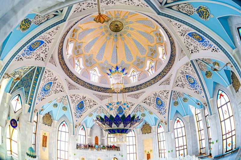 Интерьер известной мечети Kul Sharif стоковые фото
