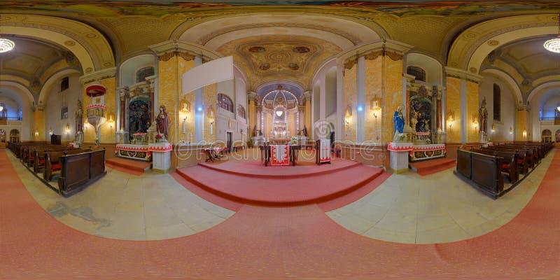 Интерьер католической церкви St Peter в Gherla, Румынии стоковое фото rf