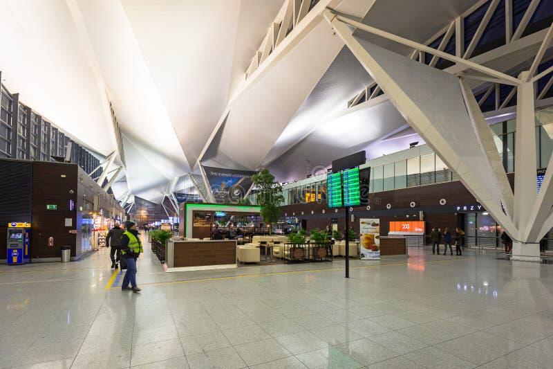 Интерьер крупного аэропорта в Гданьск, Польши Леха Валенсы стоковое фото rf