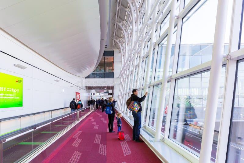 Интерьер крупного аэропорта Haneda в токио, Японии стоковые фотографии rf
