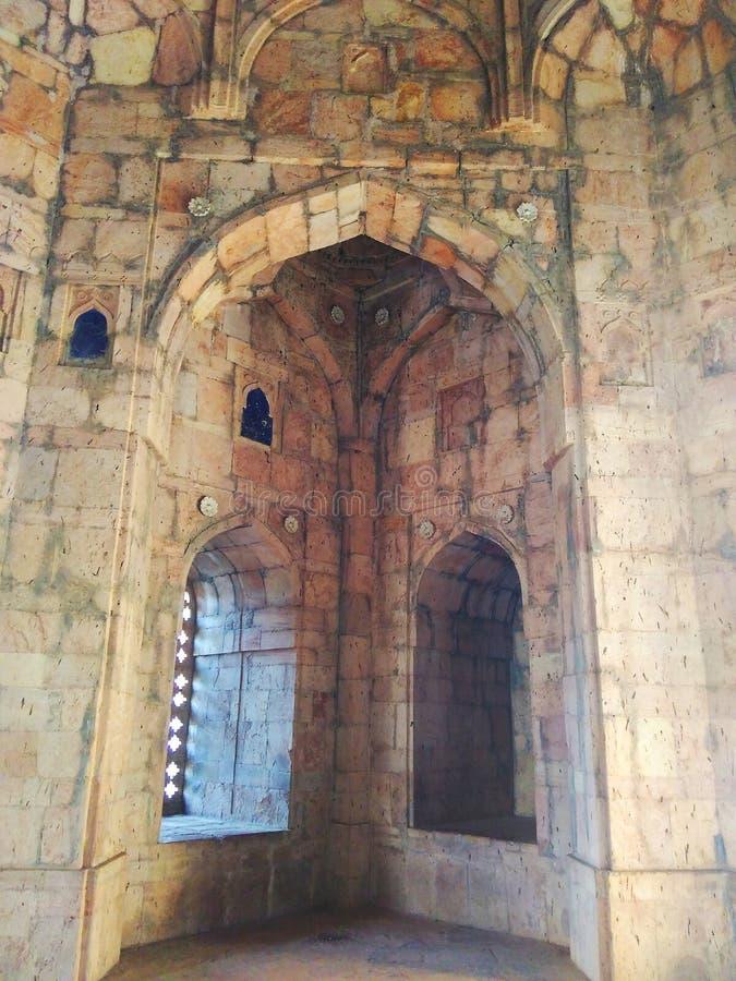 Интерьер купола мечети Mandu Jami основной стоковые изображения rf